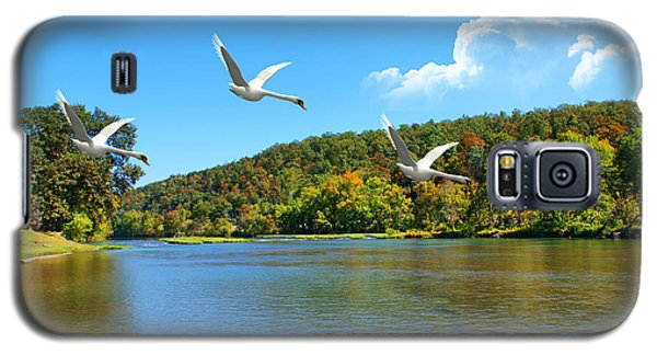 Galaxy S5 Case featuring the photograph Autumn Landing by Rick Friedle