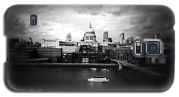 Back In London Galaxy S5 Case by Ritchie Garrod