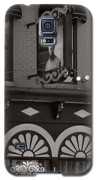 Galaxy S5 Case featuring the photograph Barhopping At Maggies 1 by Lee Craig