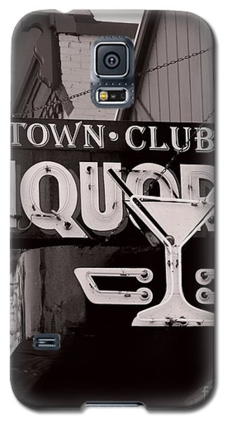Galaxy S5 Case featuring the photograph Barhopping At The Town Club 1 by Lee Craig