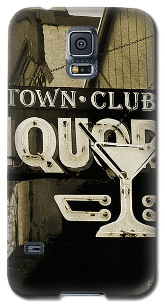Galaxy S5 Case featuring the photograph Barhopping At The Town Club 2 by Lee Craig