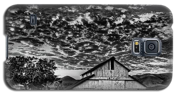 Barn At Sunset Galaxy S5 Case