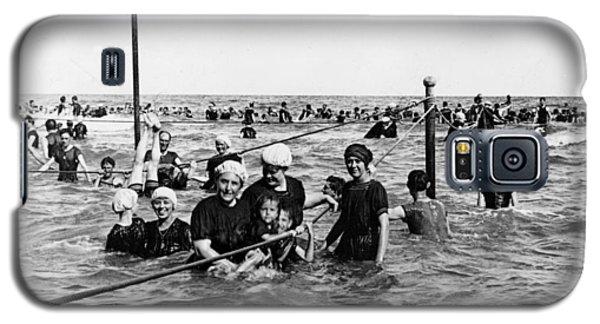 Bathing In The Gulf Of Mexico - Galveston Texas  C 1914 Galaxy S5 Case