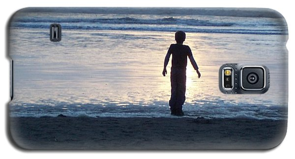 Galaxy S5 Case featuring the photograph Beach Boy Silhouette by Peter Mooyman