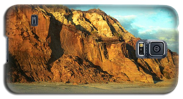 Galaxy S5 Case featuring the photograph Beach Cliff At Sunset by Mark Dodd