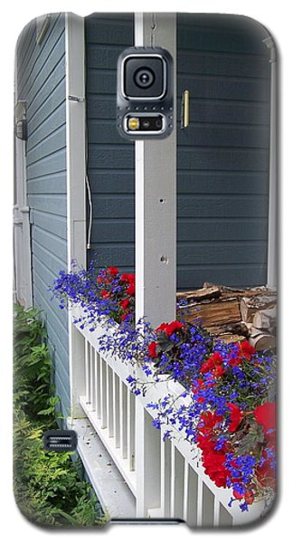 Galaxy S5 Case featuring the photograph Bed And Breakfast by Robin Regan