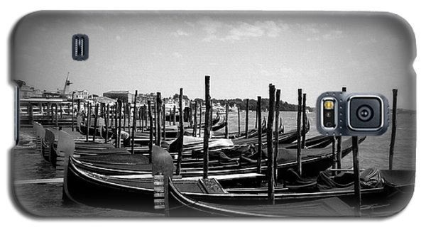Galaxy S5 Case featuring the photograph Black And White Gondolas by Laurel Best