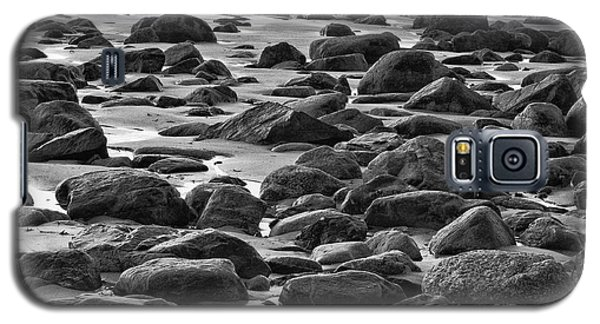 Black And White Wet Rocks Galaxy S5 Case