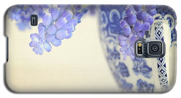 Blue Muscari Flowers In Blue And White China Cup Galaxy S5 Case