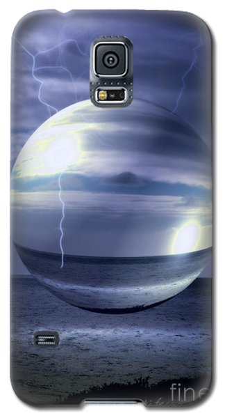 Galaxy S5 Case featuring the photograph Blue Sea Hover Bubble by Vicki Ferrari