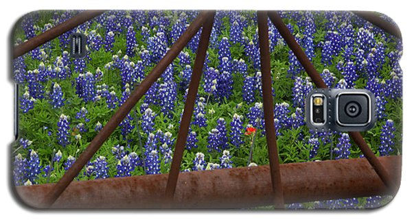 Bluebonnets And Rusted Iron Wheel Galaxy S5 Case