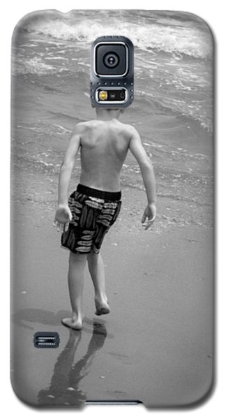 Galaxy S5 Case featuring the photograph Boy At The Ocean by Kelly Hazel