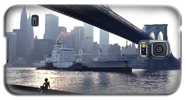Boy Freighter Brooklyn Bridge Sunset Galaxy S5 Case