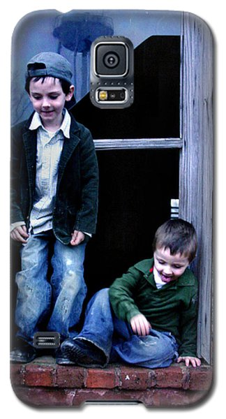 Galaxy S5 Case featuring the photograph Boys In A Window by Kelly Hazel