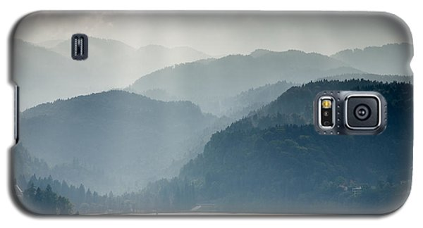 Breaking Through The Mist Galaxy S5 Case by Ian Middleton
