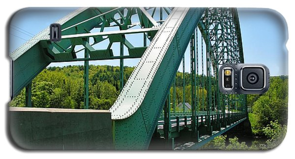 Galaxy S5 Case featuring the photograph Bridge Spanning Connecticut River by Sherman Perry