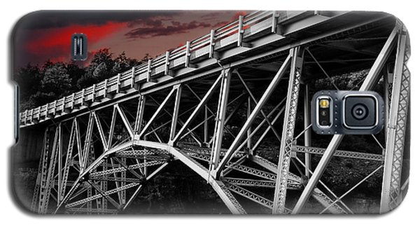 Bridge Under Blood Red Skies Galaxy S5 Case
