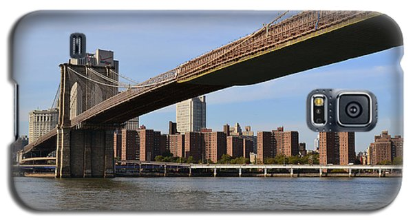 Galaxy S5 Case featuring the photograph Brooklyn Bridge1 by Zawhaus Photography