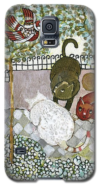 Brown And White Alley Cats Consider Catching A Bird In The Green Garden Galaxy S5 Case