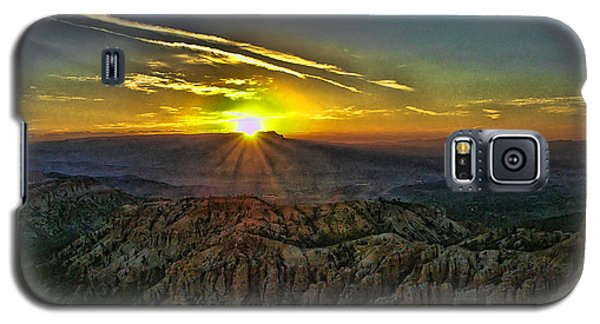 Galaxy S5 Case featuring the photograph Bryce Canyon Sunrise by Anne Rodkin