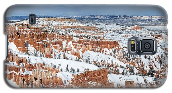 Galaxy S5 Case featuring the photograph Bryce Winter by Bob and Nancy Kendrick