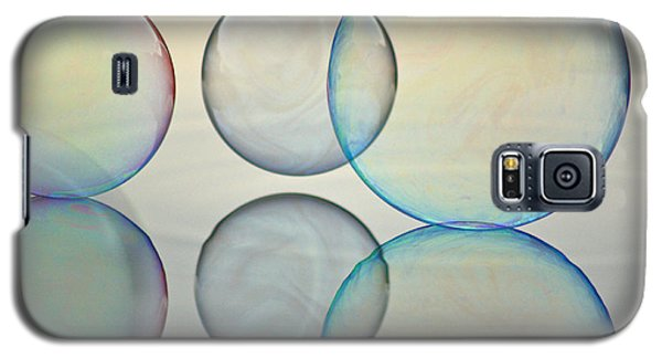 Bubbles On The Water Galaxy S5 Case by Cathie Douglas