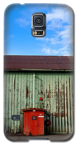 Galaxy S5 Case featuring the photograph Building Series - Red Shack by Kathleen Grace