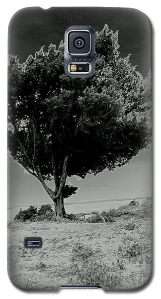 Galaxy S5 Case featuring the photograph Calms by Amy Sorrell