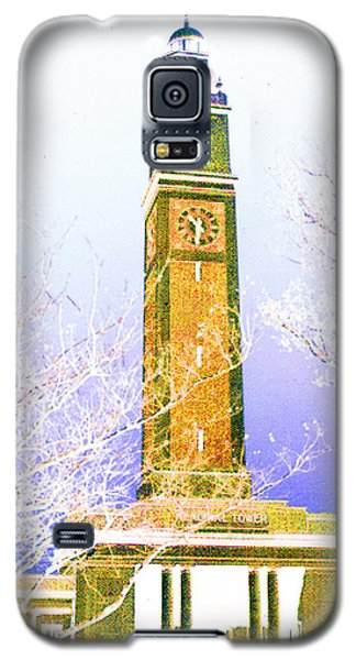 Galaxy S5 Case featuring the photograph Campanile At Louisiana State University by Louis Nugent