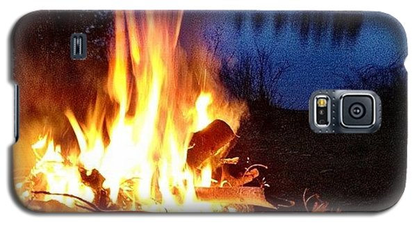 Igaddict Galaxy S5 Case - Campfire by Christopher Campbell