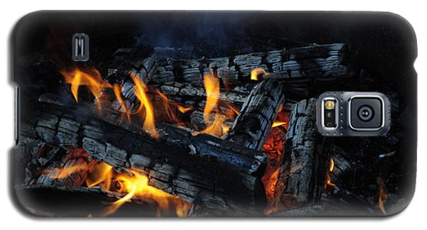 Galaxy S5 Case featuring the photograph Campfire by Fran Riley