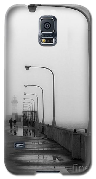 Canal Park Lighthouse In Fog Galaxy S5 Case