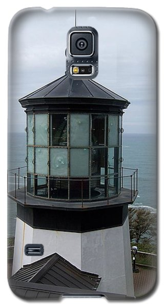 Galaxy S5 Case featuring the photograph Cape Meares Lighthouse by Peter Mooyman