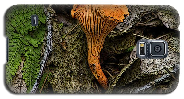 Galaxy S5 Case featuring the photograph Chanterelle by Michael Friedman