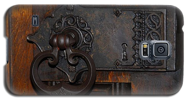 Galaxy S5 Case featuring the photograph Chapel Door by Cindy Manero