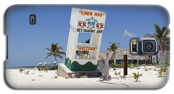 Galaxy S5 Case featuring the photograph Chen Rio Beach Bar Cozumel Mexico by Shawn O'Brien
