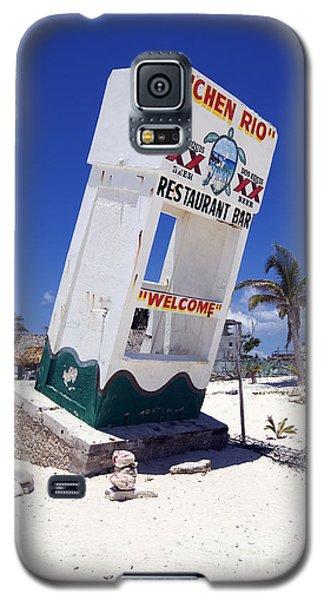 Galaxy S5 Case featuring the photograph Chen Rio Beach Bar Sign Cozumel Mexico by Shawn O'Brien