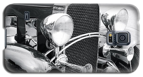 Galaxy S5 Case featuring the photograph Chevrolet by Robin Regan