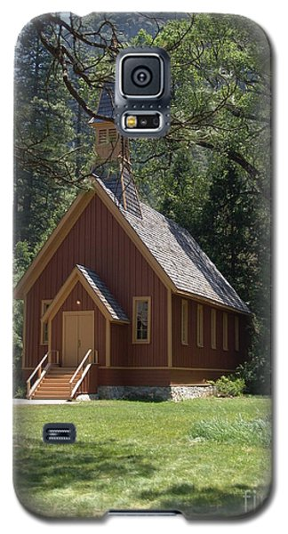 Galaxy S5 Case featuring the photograph Church In The Vale by Jim McCain