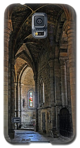 Galaxy S5 Case featuring the photograph Church Passageway Provence France by Dave Mills