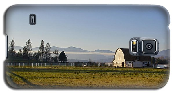Galaxy S5 Case featuring the photograph Classic Barn In The Country by Mick Anderson