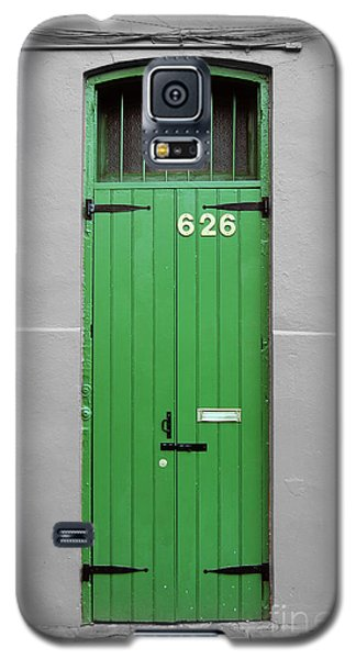 Colorful Arched Doorway French Quarter New Orleans Color Splash Black And White Galaxy S5 Case by Shawn O'Brien