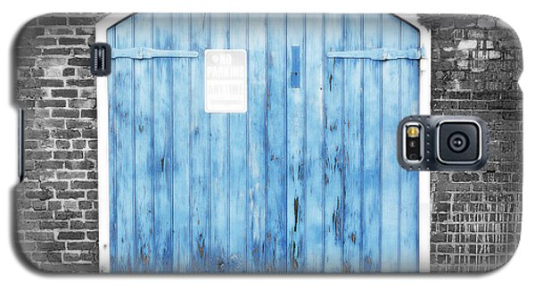 Colorful Blue Garage Door French Quarter New Orleans Color Splash Black And White And Diffuse Glow Galaxy S5 Case