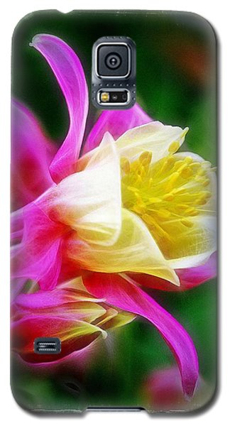Galaxy S5 Case featuring the photograph Columbine by Judi Bagwell