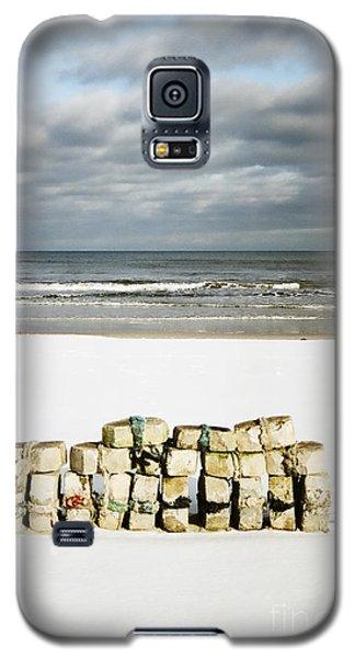 Concrete Bricks On A Snowy Beach Galaxy S5 Case