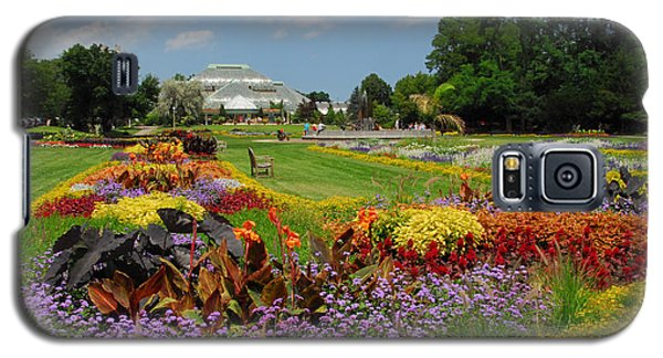 Galaxy S5 Case featuring the photograph Conservatory Gardens by Lynn Bauer