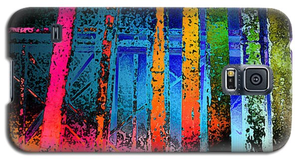 Galaxy S5 Case featuring the photograph Construct by David Pantuso