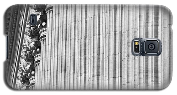 Galaxy S5 Case featuring the photograph Corinthian Columns by John Schneider