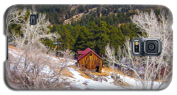 Galaxy S5 Case featuring the photograph Country Barn by Shannon Harrington