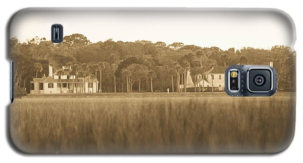 Galaxy S5 Case featuring the photograph Country Estate by Shannon Harrington